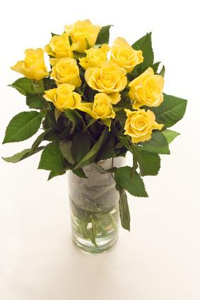 11 Yellow Roses